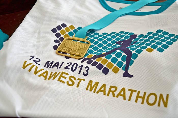 Vivawest Marathon T-Shirt und Medailie