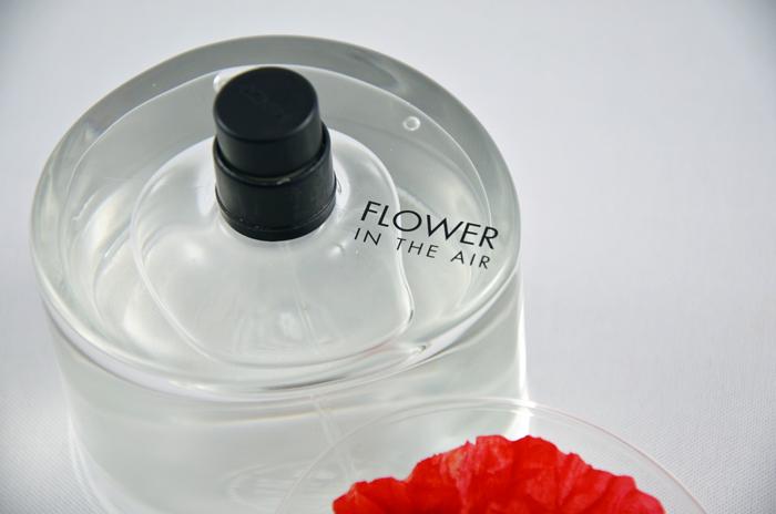 Kenzo Flower in the Air Flakon auf