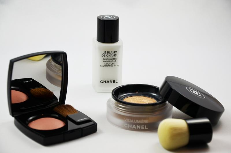 Chanel Vitalumiére Foundation